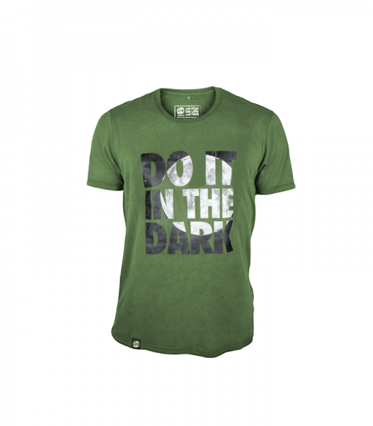 """Do it in the dark"" T-Shirt (Front)"